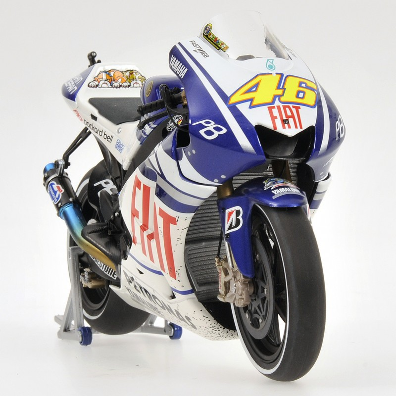 yamaha yzr m1 moto gp valencia 2010 valentino rossi minichamps 122103146 miniatures minichamps. Black Bedroom Furniture Sets. Home Design Ideas