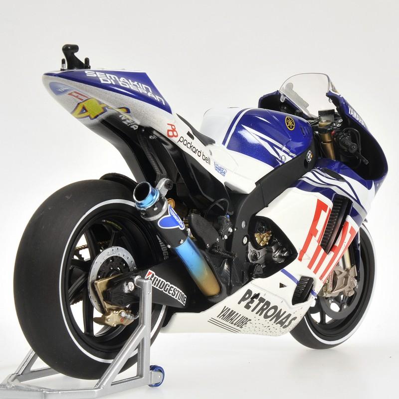 Yamaha YZR-M1 Moto GP Valencia 2010 Valentino Rossi Minichamps 122103146 - Miniatures Minichamps