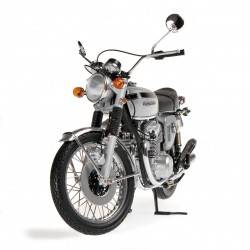 Honda CB 750 1968 Silver Minichamps 122161005