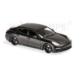 Porsche Panamera Turbo S 2013 Noire matt Maxichamps 940062370