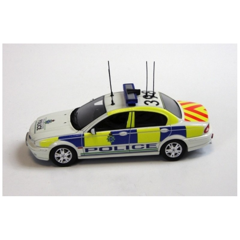 jaguar x type 2004 police ixo pr0343 miniatures minichamps. Black Bedroom Furniture Sets. Home Design Ideas