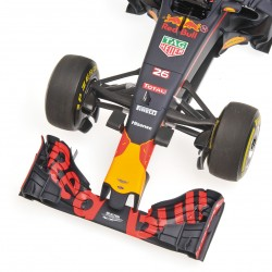 Red Bull Renault RB12 F1 2016 Daniil Kvyat Minichamps 117160026