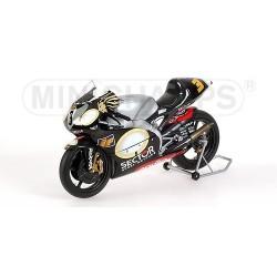 Aprilia RSV250 GP 250 2002 Marco Melandri Minichamps 122020003
