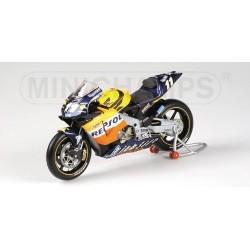 Honda RC211V Moto GP 2002 Tohru Ukawa Minichamps 122027111