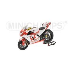 Ducati Desmo16 GP7 Moto GP 2007 Alex Barros Minichamps 122070004