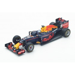 Red Bull Renault RB12 F1 Winner Malaisie 2016 Daniel Ricciardo Spark 18S251