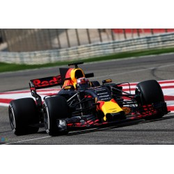Red Bull Tag Heuer RB13 Test Bahrain 2017 Pierre Gasly Minichamps 410170015