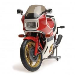 Honda CBR1100R 1982 Rouge et Blanche Minichamps 122161701