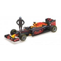 Red Bull Tag Heuer RB12 F1 Autriche 2016 Daniel Ricciardo Avec figurine Minichamps 117160603