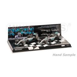 Set 2 voitures Mercedes AMG Petronas W06 Hybrid F1 World Champion 2015 Minichamps 412154406