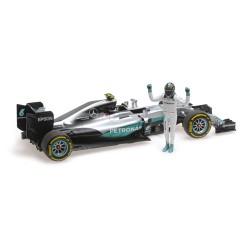 Mercedes F1 W07 Hybrid F1 World Champion 2016 Nico Rosberg Avec figurine Minichamps 110160806