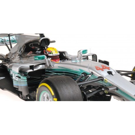 mercedes amg petronas w08 eq power f1 chine 2017 lewis hamilton minichamps 117170244. Black Bedroom Furniture Sets. Home Design Ideas