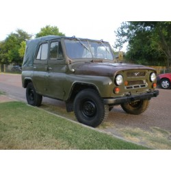 UAZ 469 Soft Top Olive IXO PCL47088