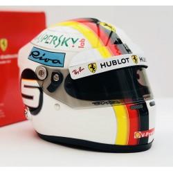 Casque 1/2 Sebastian Vettel F1 2018 Arai 4292778