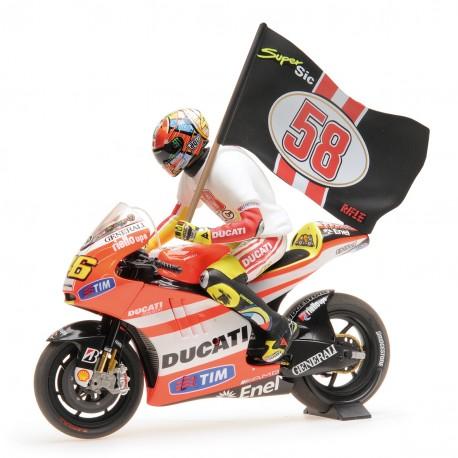 Ducati Desmosedici GP 11.2 Moto GP Tribute to Marco Simoncelli 2011 Valentino Rossi Minichamps 122112146