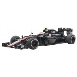 McLaren Honda MP4/30 F1 Espagne 2015 Jenson Button Autoart 18122