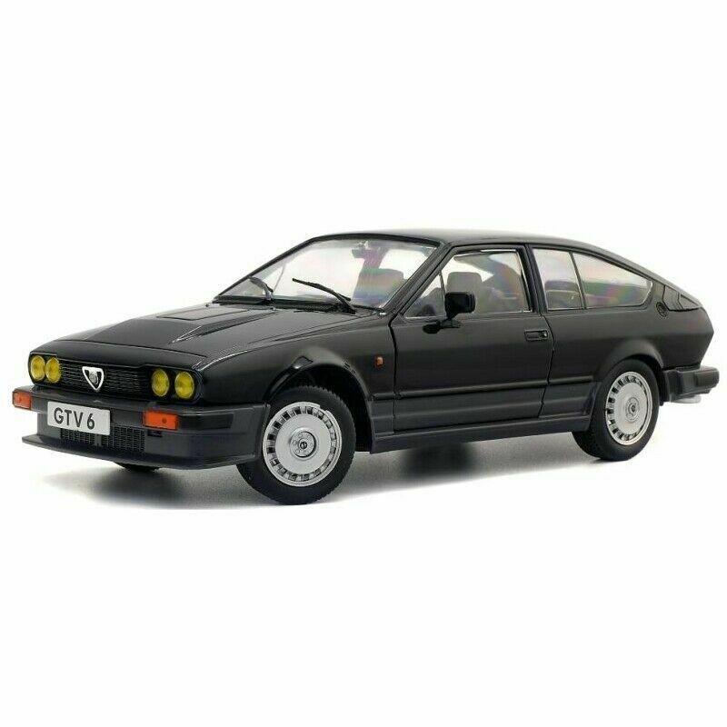 1984-1:18 MCG Mercedes 300 E W124 #18099 - metallic-hellblau