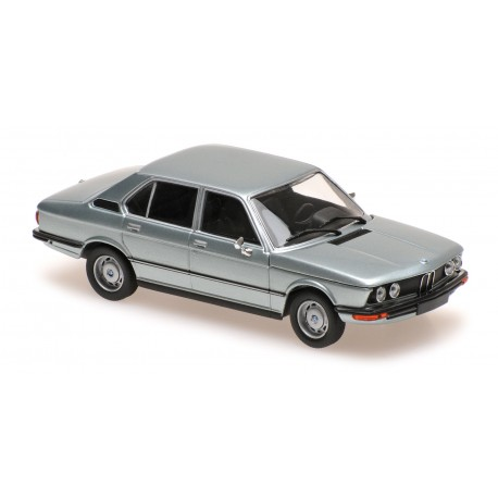 BMW 520 1972 Light Blue Metallic Minichamps 940023002