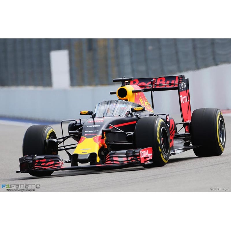 red bull renault rb12 f1 test russie 2016 daniel ricciardo spark s5018 miniatures minichamps. Black Bedroom Furniture Sets. Home Design Ideas