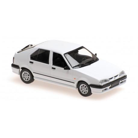 Renault 19 1995 White Maxichamps 940113700