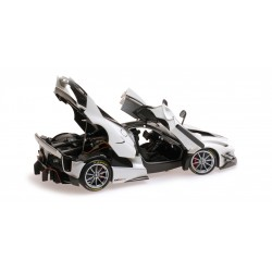 Ferrari FXX-K Evo Presentazione Minichamps BBR182280