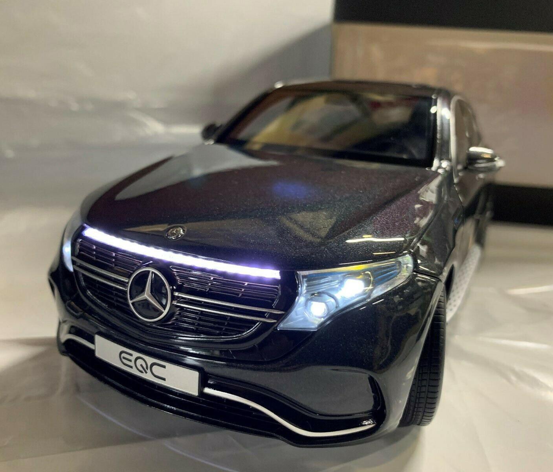 1:43 Spark Mercedes EQC 400 4 Matic 2019 white