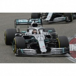 Mercedes F1 W10 EQ Power+ 44 F1 Winner Chine 2019 Lewis Hamilton Minichamps 110190344