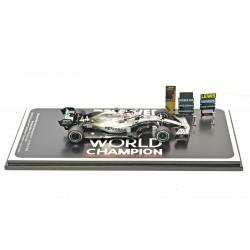 Mercedes F1 W10 EQ Power+ 44 F1 USA 2019 Lewis Hamilton special base with pitboard Spark S6099
