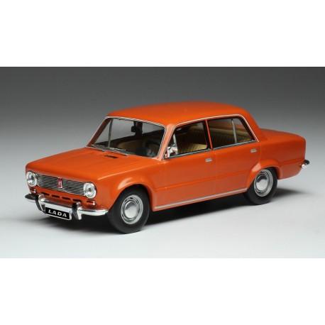 Lada 1200 1970 Red IXO 1:43 CLC313N
