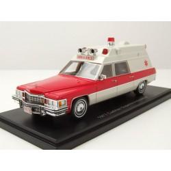 Cadillac Superior Ambulance 1977 White Red NEO NEO47241