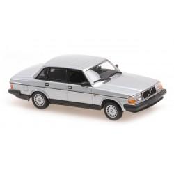Volvo 240 GL 1986 Silver Metallic Minichamps 940171402