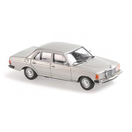 Mercedes Benz W123 230E 1982 Silver Metallic Minichamps 940032202