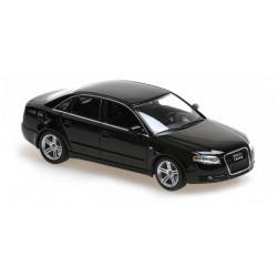Audi A4 2004 Black Minichamps 940014400
