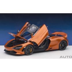 McLaren 720S Azores Orange Autoart 76074