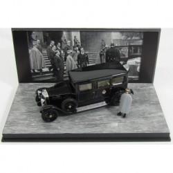 Fiat 519s Limousine whith Figure Roi Vittorio Emanuele III 1929 Black Rio Models 4510/P