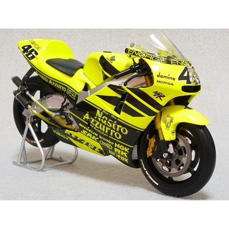 Honda NSR 500 GP 500 2001 Valentino Rossi Minichamps 122016946 - Miniatures Minichamps