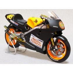 Honda NSR 500 GP 500 2000 Valentino Rossi Minichamps 122006186