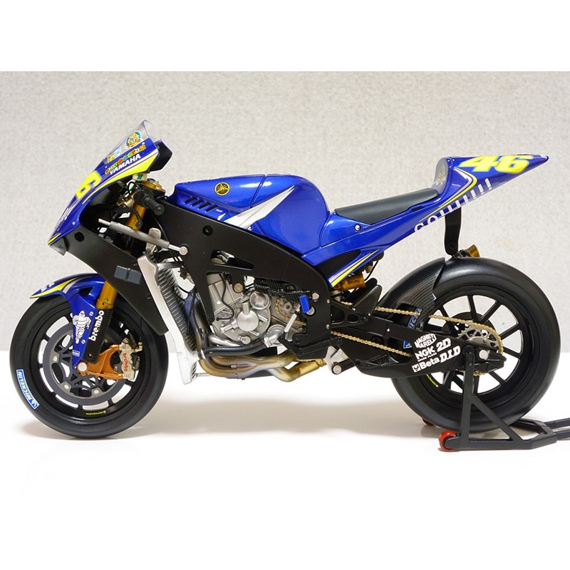 Yamaha yzr m1 moto gp 2005 valentino rossi minichamps for Yamaha m1 for sale