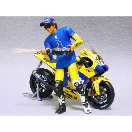Figurine 1/12 Valentino Rossi Moto GP Sachsenring 2006 Minichamps 312060296