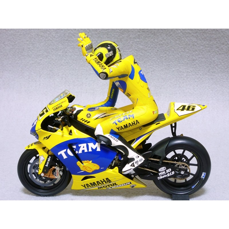 figurine 1 12 valentino rossi moto gp 2006 minichamps 312060146 miniatures minichamps. Black Bedroom Furniture Sets. Home Design Ideas
