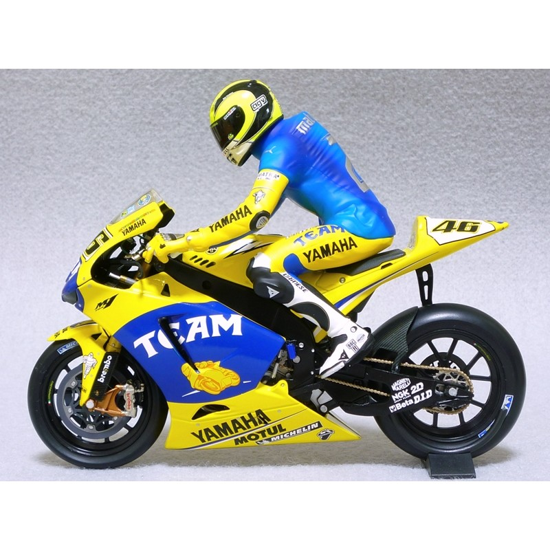 figurine 1 12 valentino rossi moto gp sachsenring 2006 minichamps 312060196 miniatures minichamps. Black Bedroom Furniture Sets. Home Design Ideas