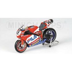 Ducati 999 F04 55 World Superbike 2004 Regis Laconi Minichamps 122040155
