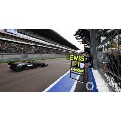 Mercedes AMG F1 W12 E Performance 44 F1 Grand Prix de Russie 100th Victory avec pitboard 2021 Lewis Hamilton Spark S7695