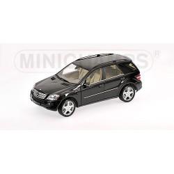 Mercedes Classe M 2006 Noire Minichamps 150034501